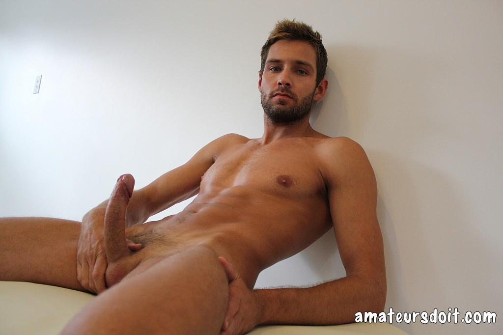 Amateurs-Do-It-Rick-Chester-Naked-Australian-Guy-With-Big-Uncut-Cock-Amateur-Gay-Porn-36 Australian Rick Chester Getting Naked And Jerking His Big Uncut Cock